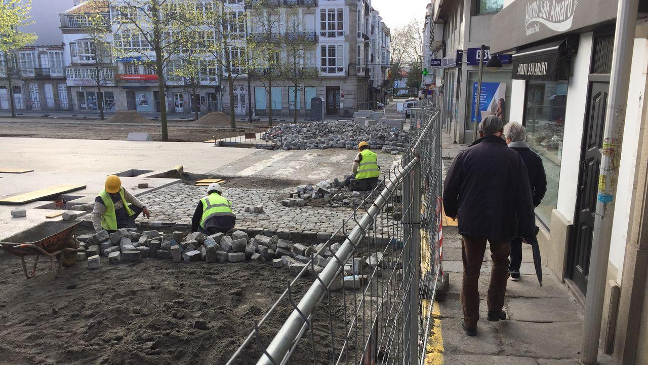 Las obras en la plaza de Armas de Ferrol mantienen su actividad