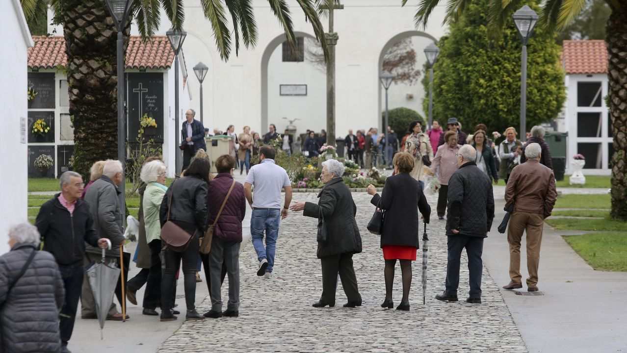 Incendio en Arteixo.Cementerio de Catabois, Ferrol