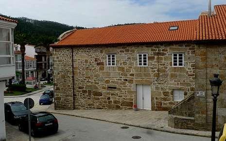 El Pazo de Altamira albergó la casa municipal, el juzgado y la cárcel de Corcubión.