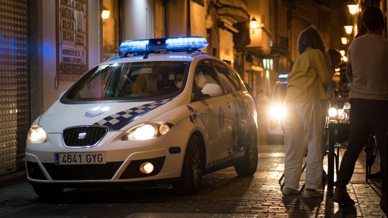 LA POLICÍA LOCAL PATRULLANDO LAS ZONAS DE OCIO NOCTURNO DE A CORUÑA