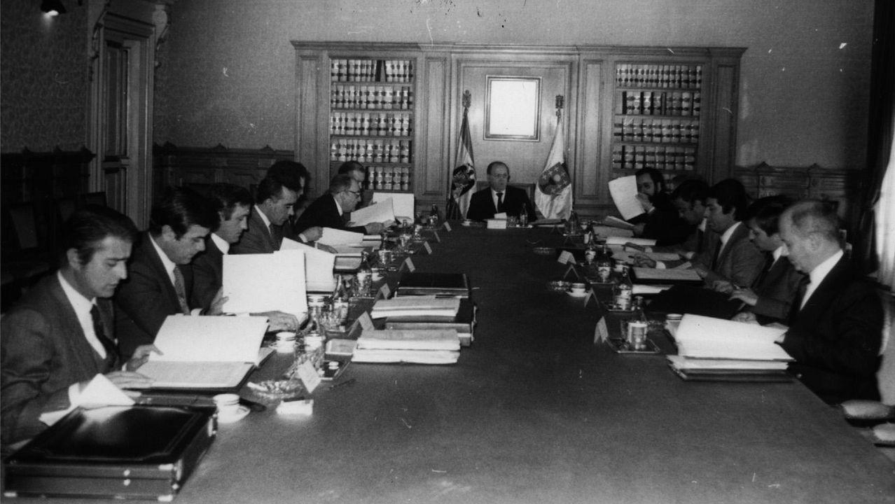 Una reunión del consello de la Xunta presidida por Fernández Albor en 1982
