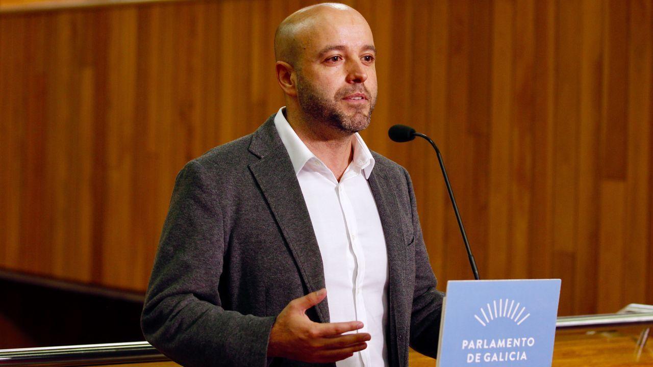 El portavoz del Grupo Mixto, Luís Villares, lo tacha de «cortina de fume», una estrategia que ha utilizado para evitar «falar dos problemas de Galicia» y para «vitimizarse».