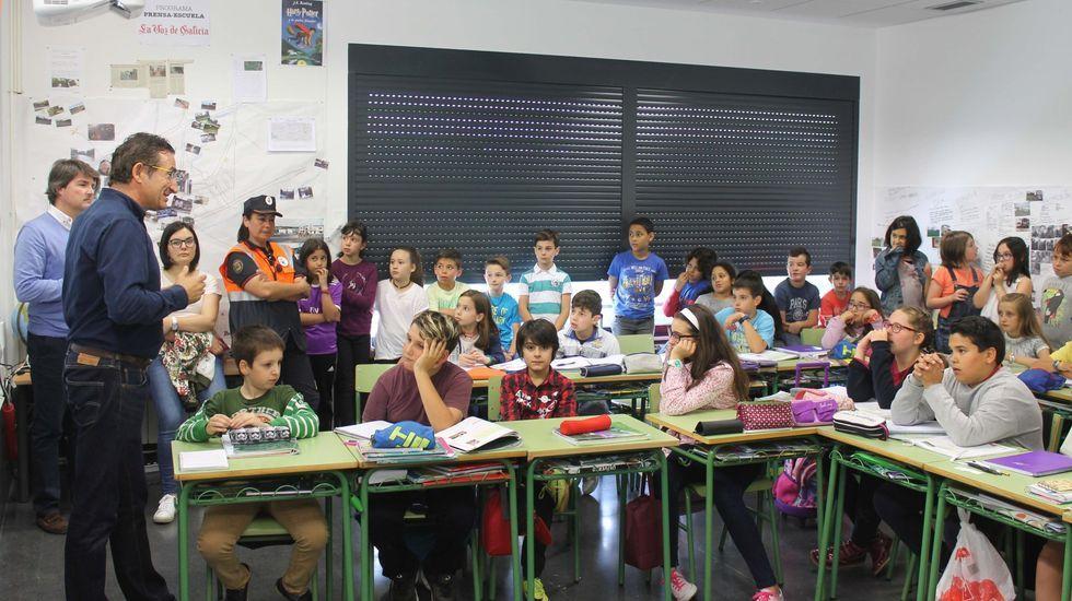 El 25N en Santiago: no rotundo contra la violencia machista.«Un xornal na aula transmite aos alumnos algo que un vídeo ou unha película non transmiten», opina a profesora Cristina Almeida
