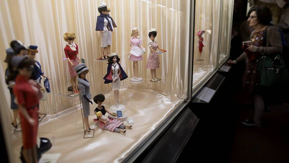 Los estilismos con alma pontevedresa.Una exposición de Barbies en París