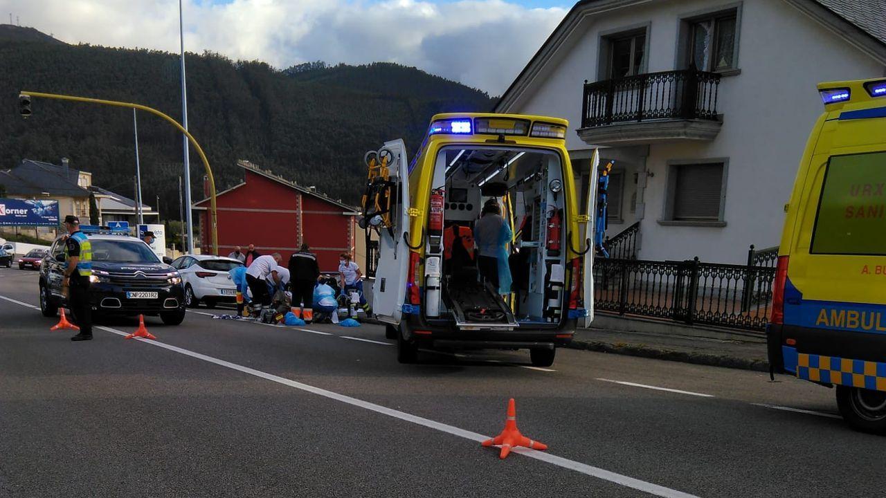 Dos ambulancias, Policía Local y Policía Nacional se movilizaron para auxiliar al octogenario