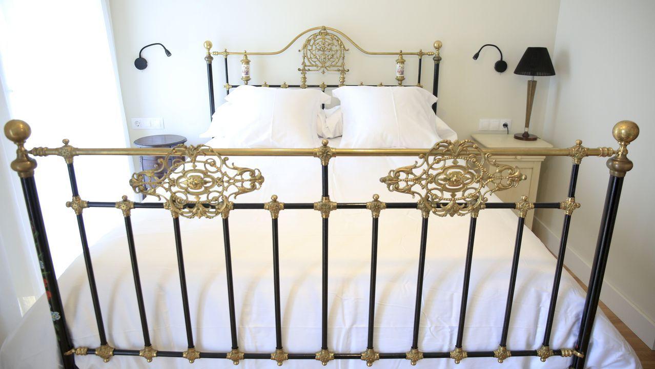 Una de las habitaciones cuenta con cama doble