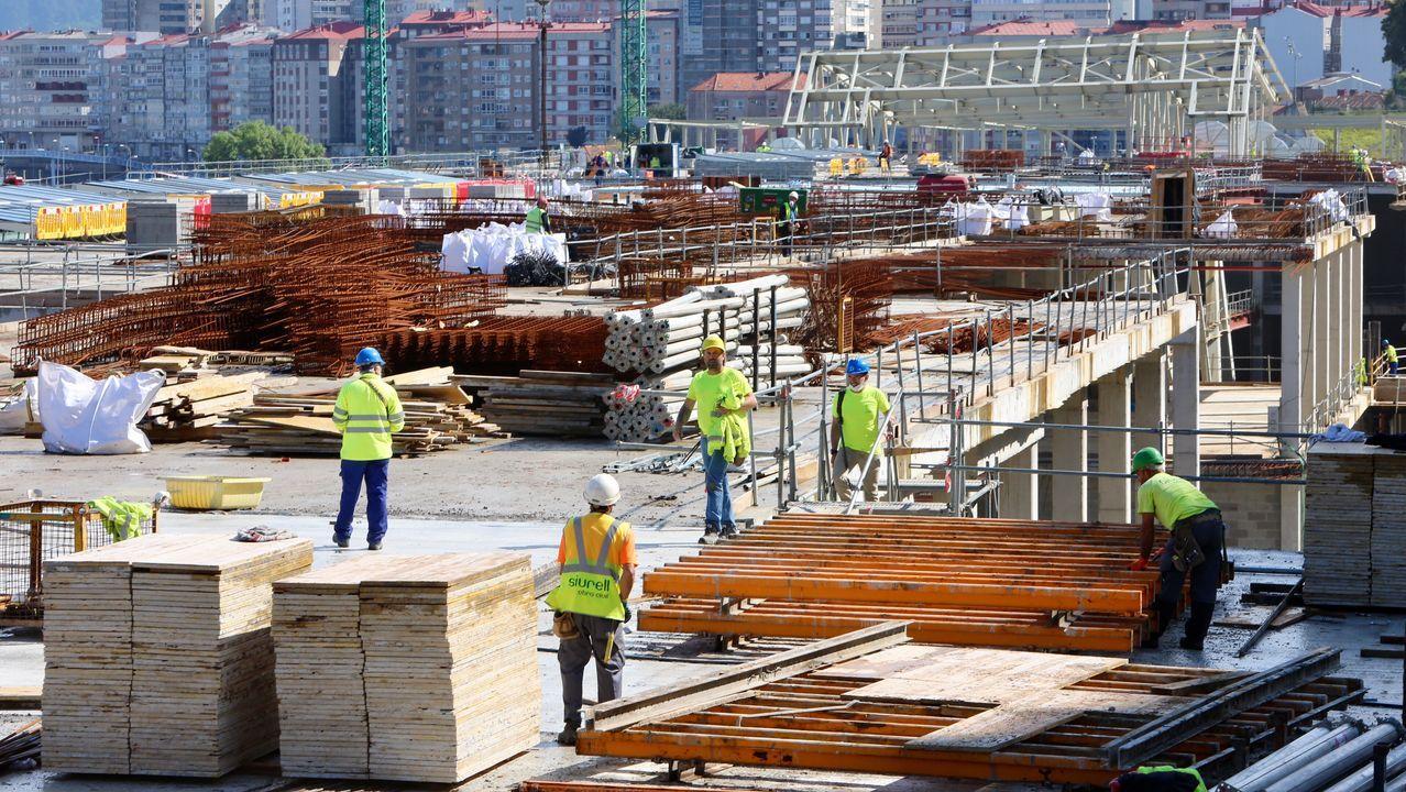 Vuelta al tajo de los trabajadores de la construcción.Pruebas de carga en uno de los viaductos del AVE