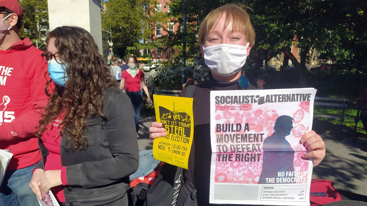 Hellen Miller, diseñadora gráfica y miembro del partido Alternativa Socialista