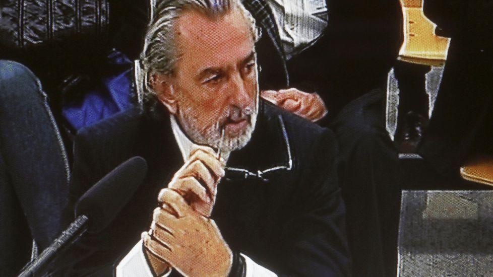 Pablo Crespo: «Hubo rumores de que la operación Gürtel la orquestó Rubalcaba».Guillermo Fernández Vara, en una imagen de archivo