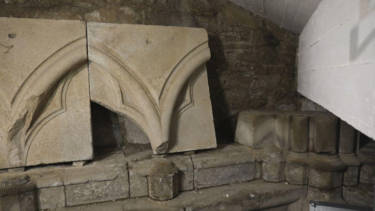 Solo llegaron a construirse dos capillas, porque en 1266 Arias murió y el proyecto quedó frustrado