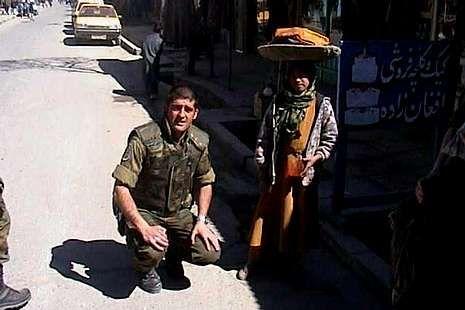 Vicente Agulló en una de las misiones humanitarias en las que estuvo.