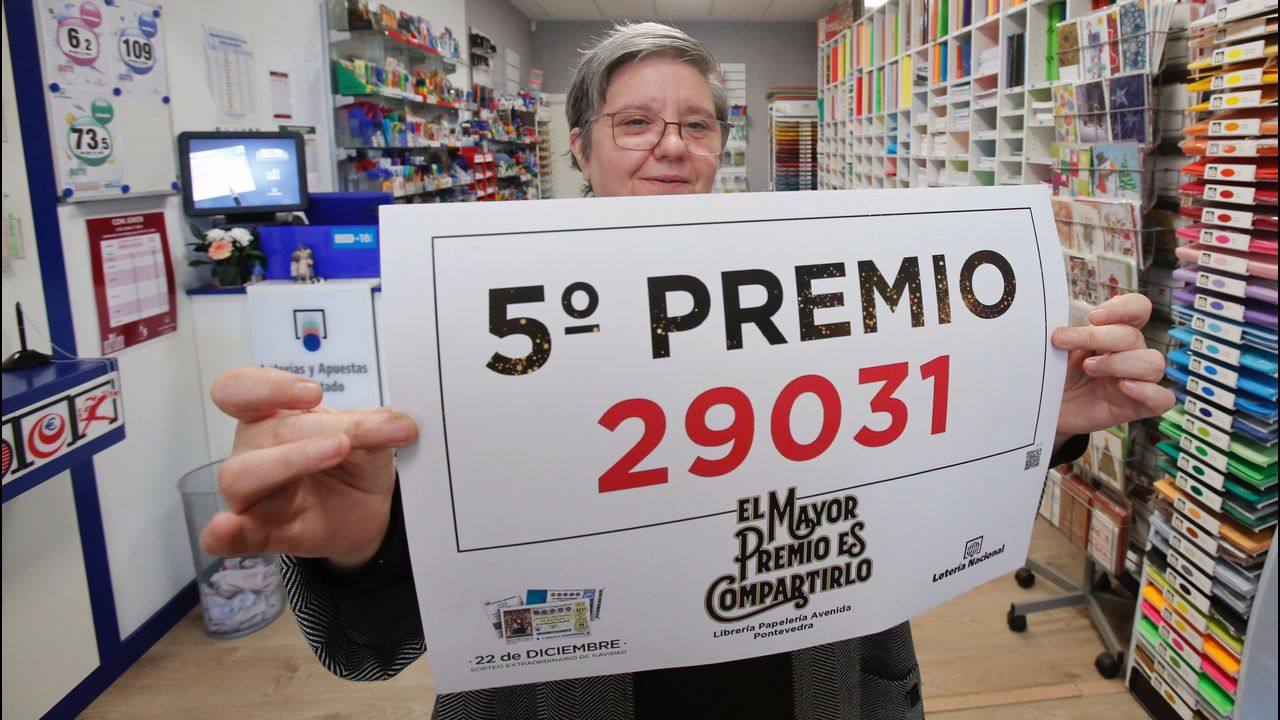 La administración nº10, situada en Carrefour, en Pontevedra repartió décimos del Gordo.