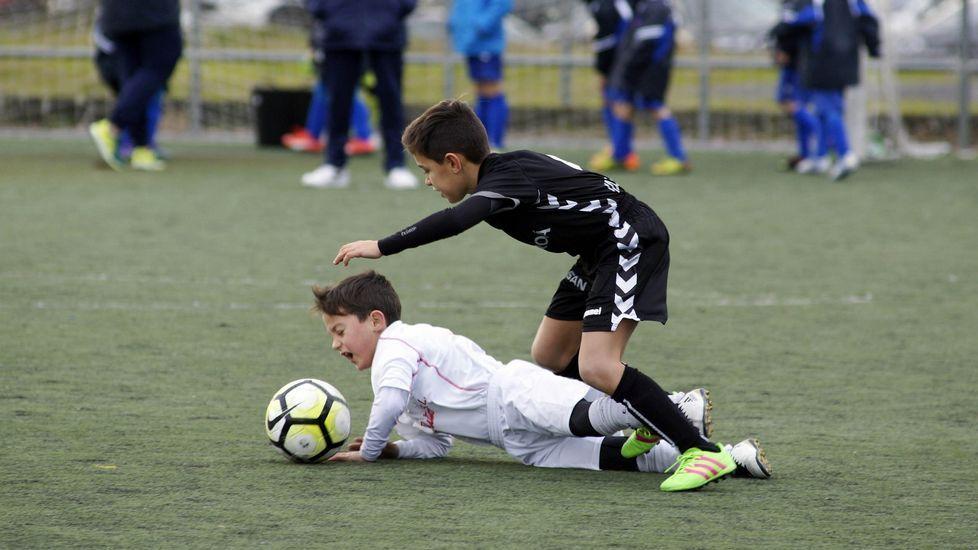 Imágenes de la previa del Arousa Fútbol 7