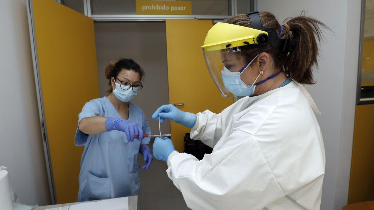 Durante los últimos días más de 150 personas relacionados con los contagiados se han hecho pruebas en el Hospital da Mariña