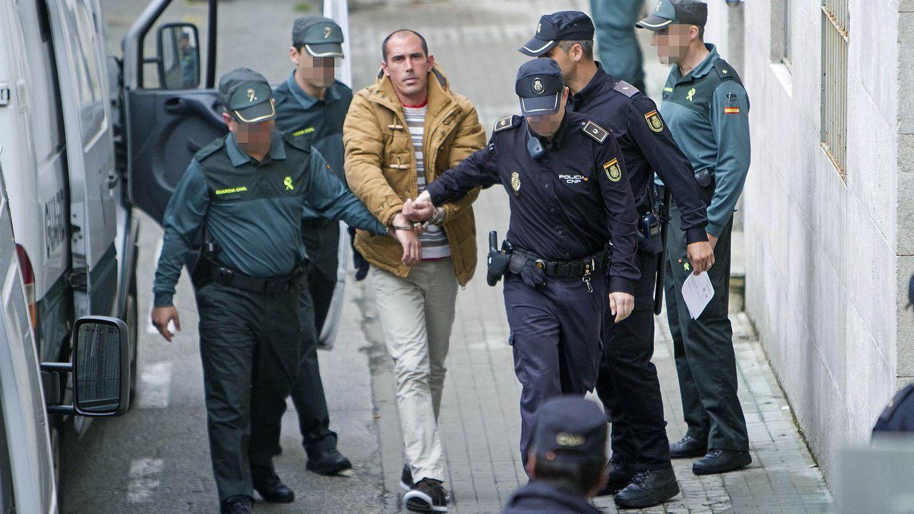 Uno de los hermanos Martíns Mendoza llegando a los juzgados