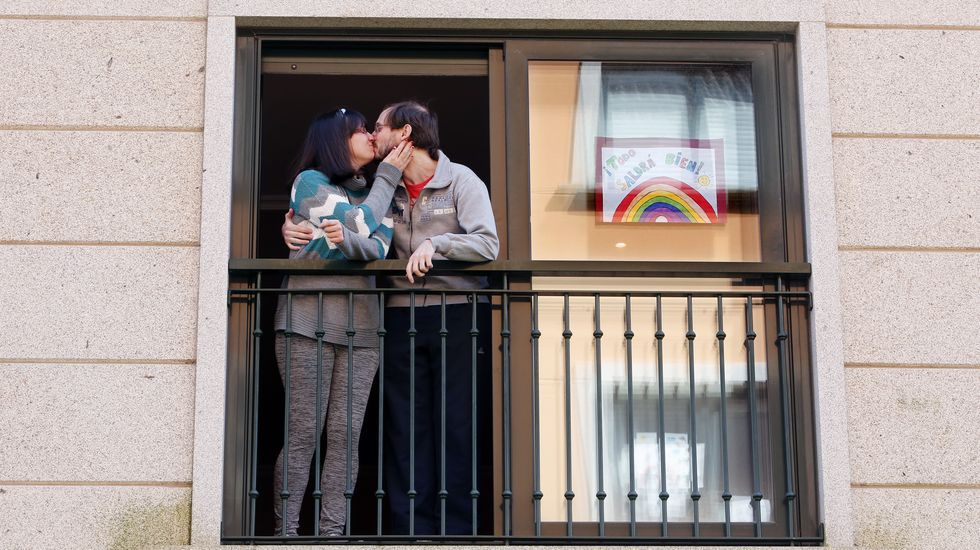 Pontevedra explota la creatividad en sus balcones.Leo Messi repartirá la cantidad entre centros argentinos y un hospital en Barcelona