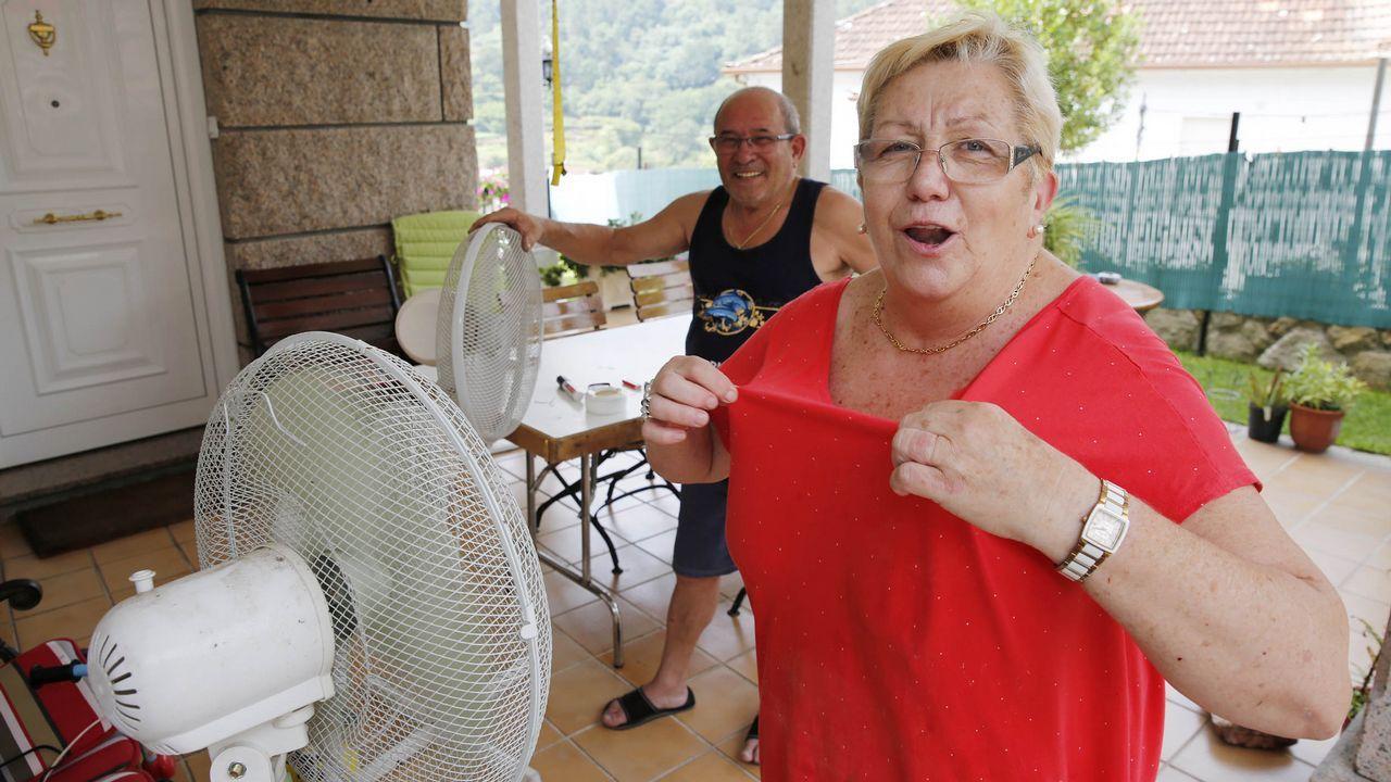 Crónica del 3 de agosto: calima, lluvia de barro y sensación térmica de 50 grados.El Arnoia. En Allariz, O Arnado y Acearrica disponen de espacios verdes a la orilla del río