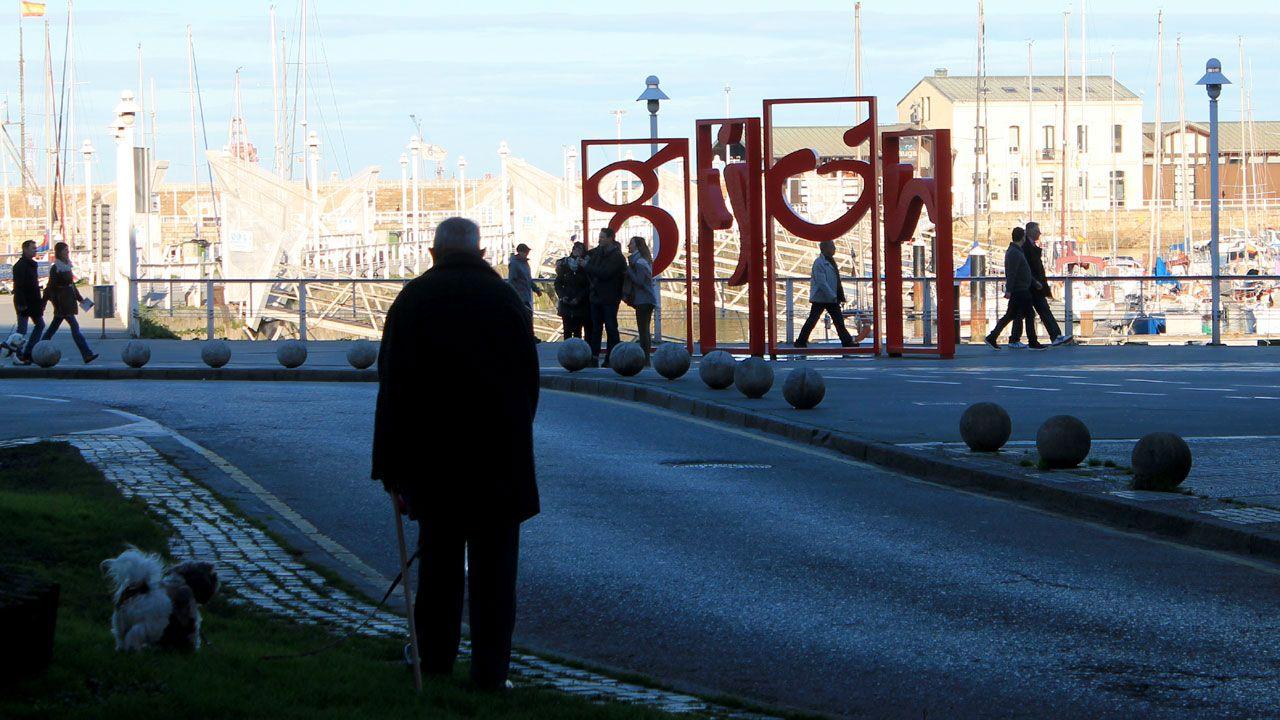 Las «letras» de Gijón en los Jardines de la Reina