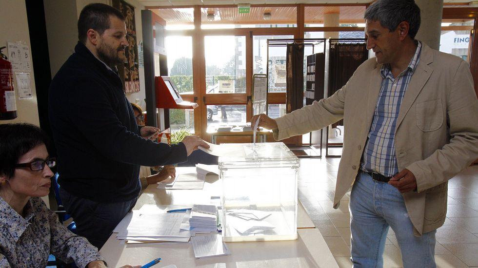 El socialista Abel Losada ya ha votado.