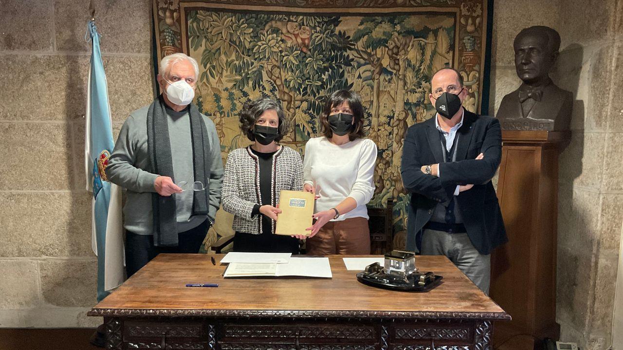 A familia de Franco Grande doou á Academia unha edición facsimilar do pergamino Vindel