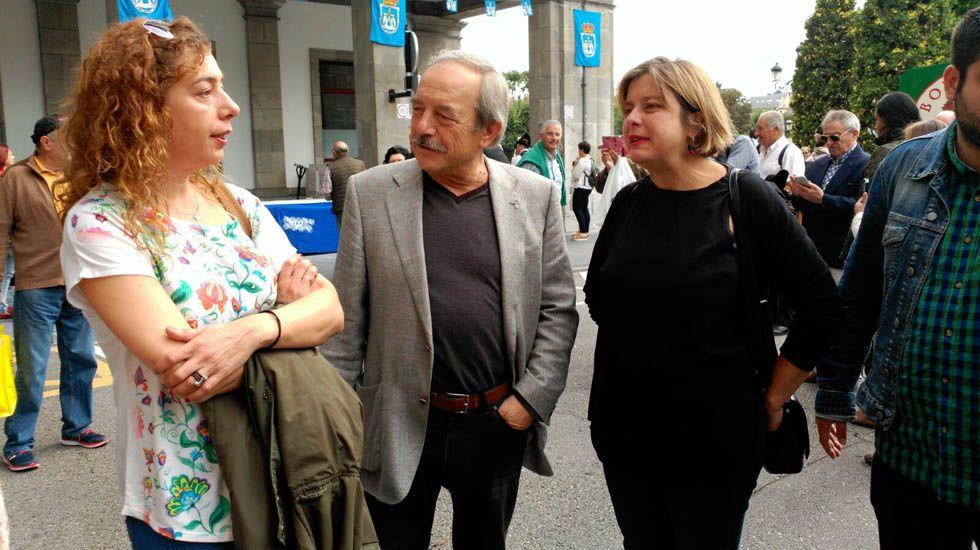 Agustín Iglesias Caunedo, en una junta local del PP de Oviedo.Wenceslao López, Ana Taboada y Cristina Pontón
