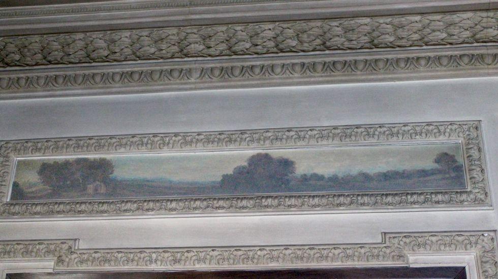 Fresco sobre una de las puertas de la segunda planta