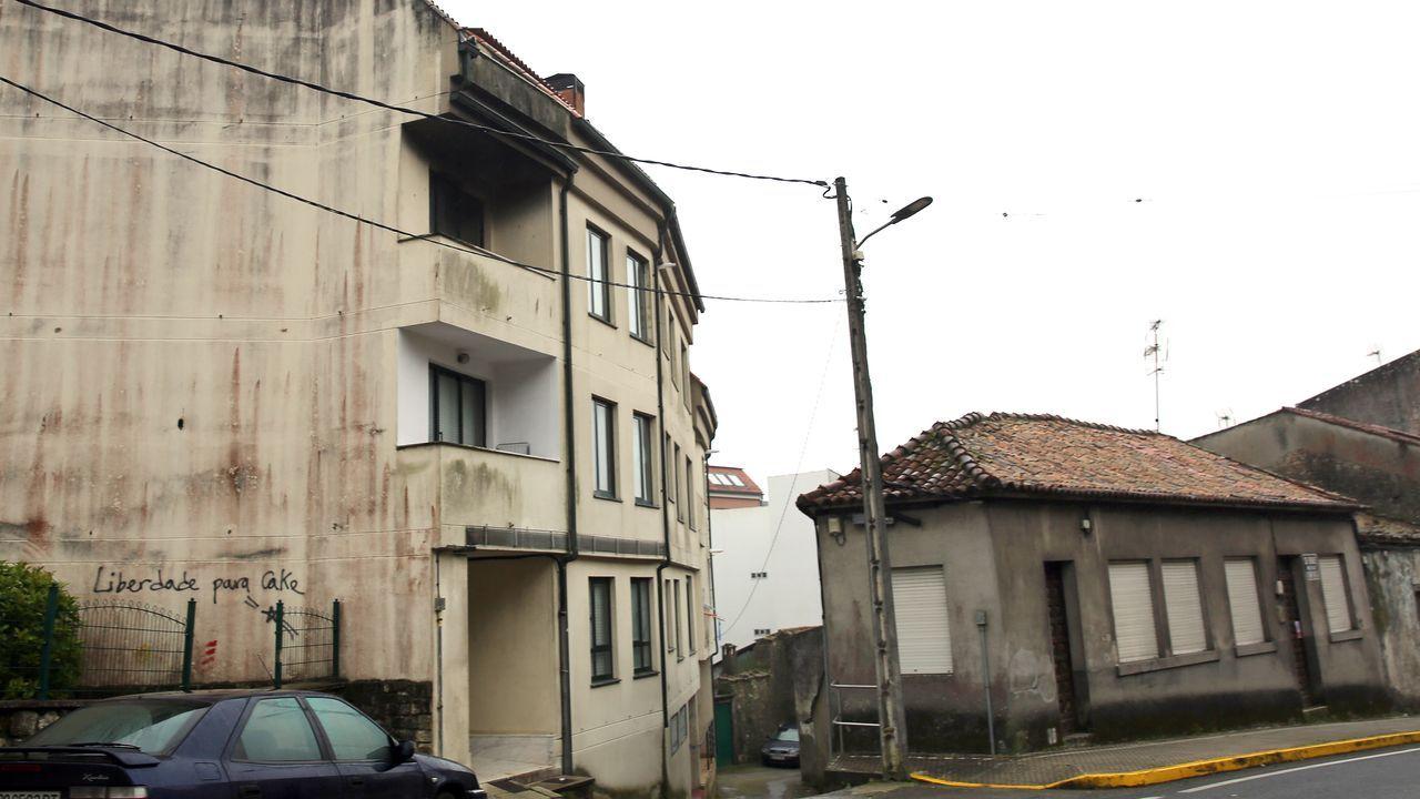 Derriban una casa ilegal en Vigo y dan nuevas vistas a los vecinos.La vivienda está justo al lado de un edificio donde hay varios pisos okupados