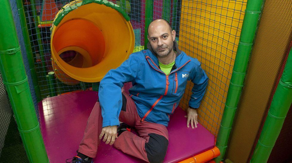 Mario Vidal baraja varias alternativas para reorientar el local que abrió como centro de ocio infantil