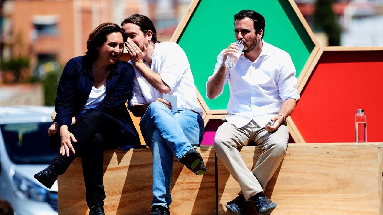 Grado de deportes en el campus de mieres.Pablo Iglesias, entre Ada Colau y Alberto Garzón, en un mitin celebrado en Barcelona a una semana del 26M