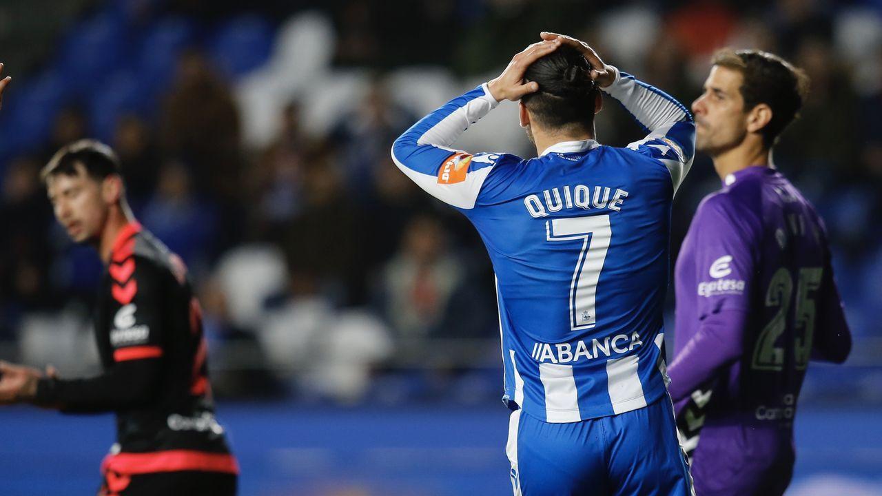 Carmelo del Pozo analiza el mercado de fichajes del Deportivo.Quique se lamenta de una ocasión fallada contra el Tenerife