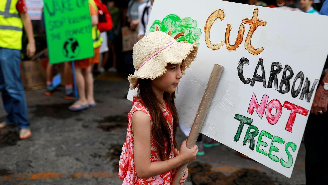 El mundo despierta contra el cambio climático.Sede de EDP en Oviedo