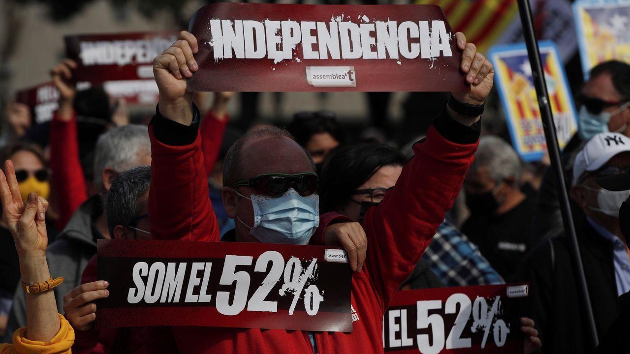 Los disturbios en Barcelona, en imágenes.Alrededor de 3.000 personas asistieron este domingo a la manifestación convocada por la ANC