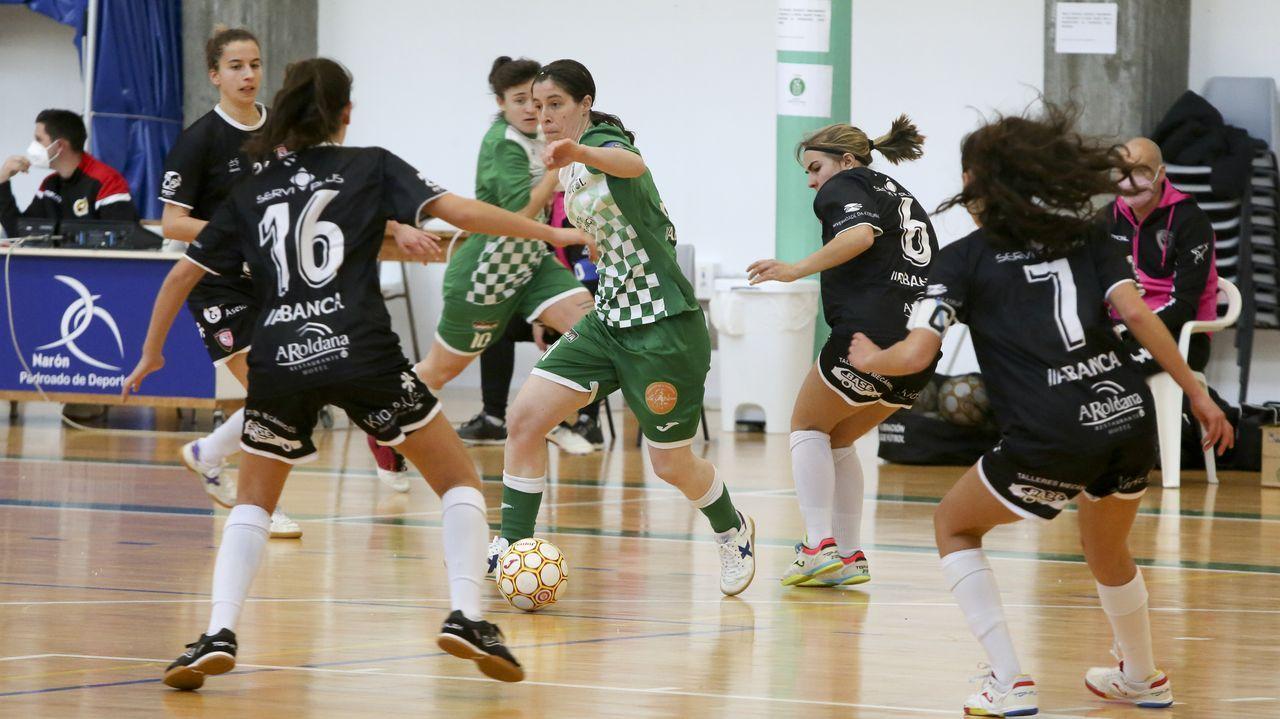 gol Rodri Rios Nieto Real Oviedo Zaragoza Carlos Tartiere.Cuco Ziganda, en la banda del Carlos Tartiere