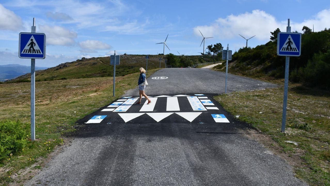 ¡Búscate en el décimo aniversario de la Festa do Furón!.Los pasos pretenden frenar las carreras de coches de la zona
