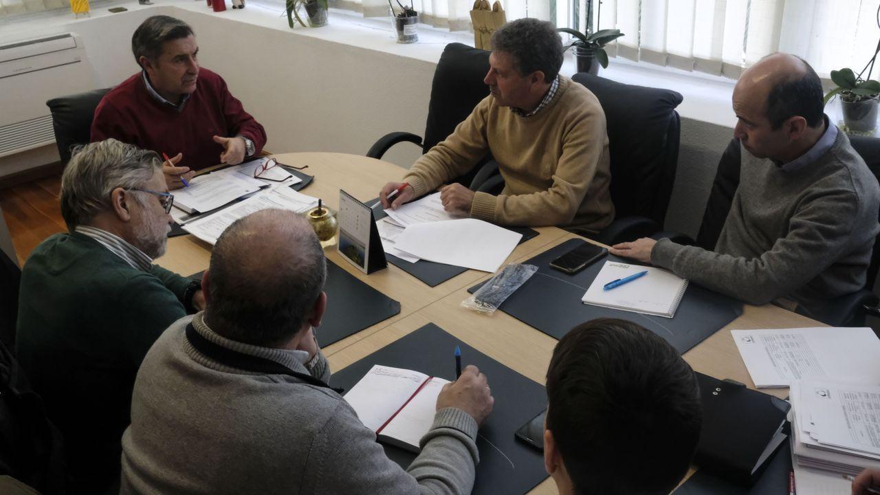Tras la riada de noviembre de 2018, Augas de Galicia limpió el cauce del río Fontecova.A directora de Augas de Galicia lémbralle á alcaldesa de Viveiro a reunión que mantiveron o pasado 5 de decembro en Celeiro, coa conselleira de Infraestruturas e veciños de Xunqueira