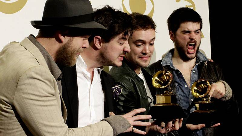 La gala de los premios Grammy, en imágenes.El abandono de Eduardo Ruimán (entre Melendi y Jesús Vázquez) de «La voz» incendió Twitter.