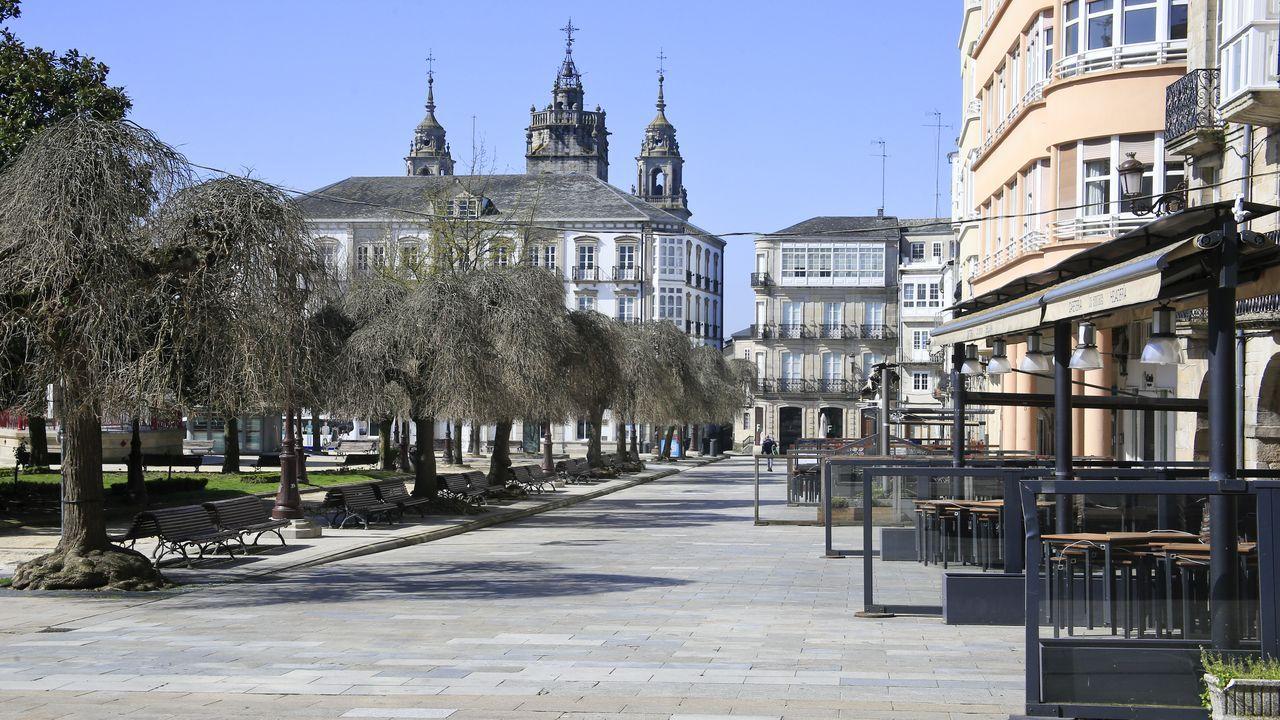 Praza Maior de Lugo, sin terrazas por la cuarentena decretada por el Gobierno.