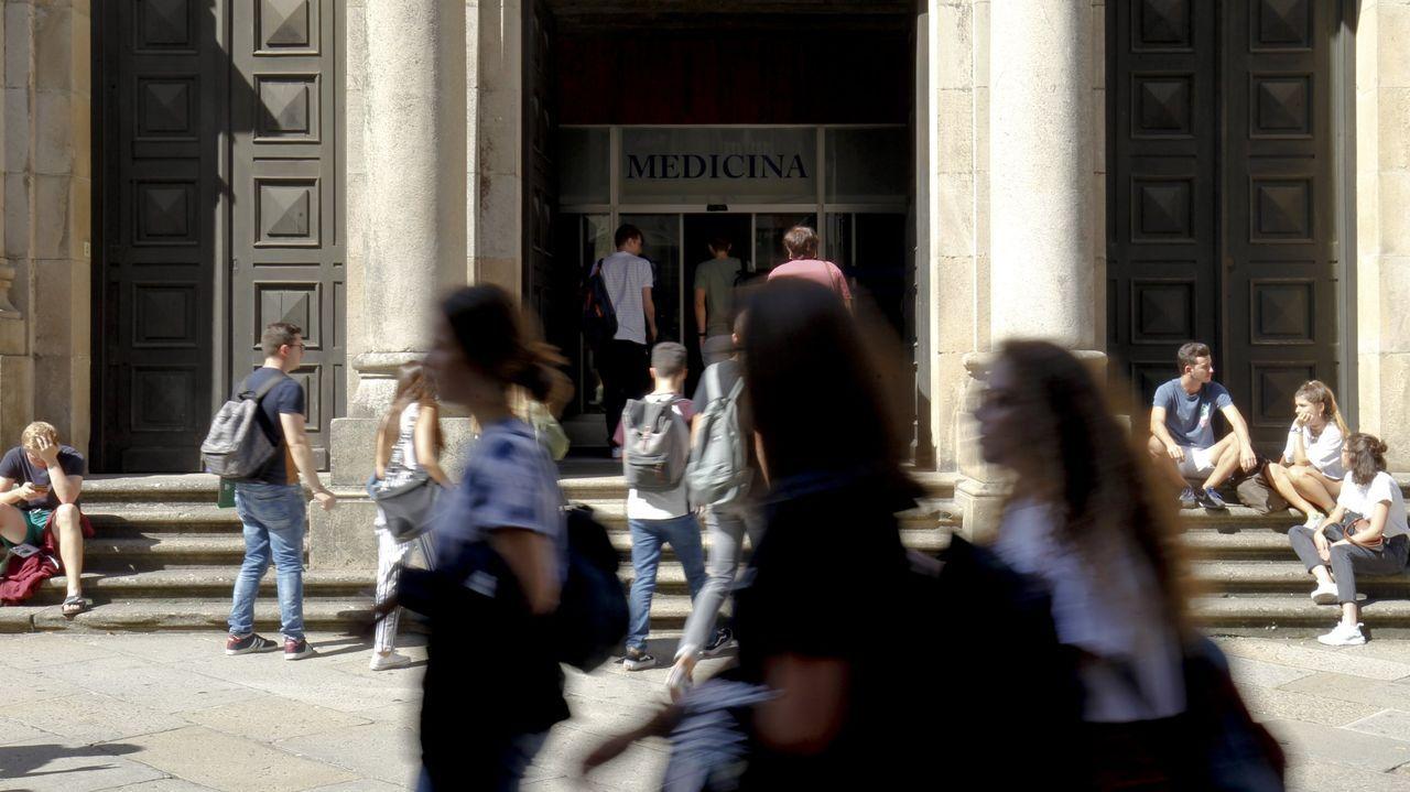 El inicio del nuevo curso en Medicina.Roberto Nieto pasó cinco años en Suiza y, tras regresar a Negreira, creó una empresa de carpintería