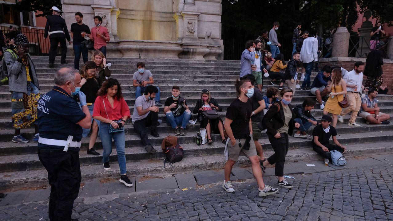 Roma multará a los que tiren las mascarillas en la calle