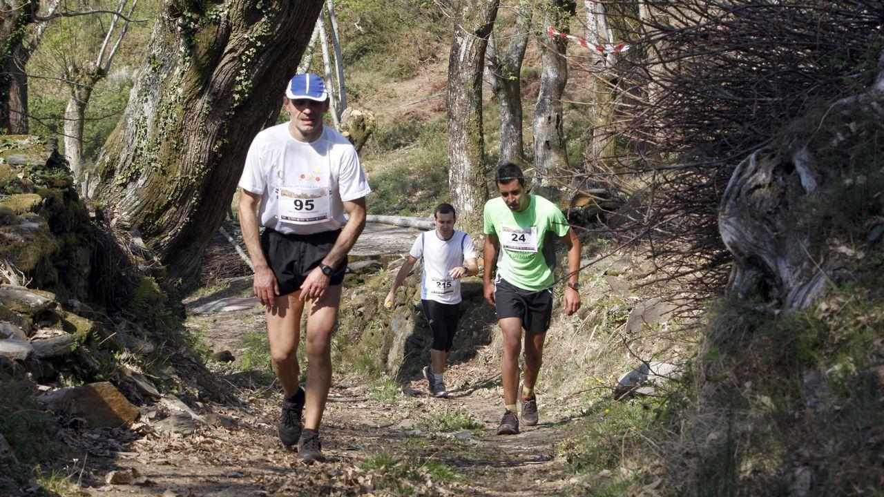 La ruta de las seis aldeas paleozoicas del geoparque Montañas do Courel.Participantes en una carrera de senderos disputada en el O Courel dentro del circuito Galicia Máxica Trail Adventure, en una imagen de archivo