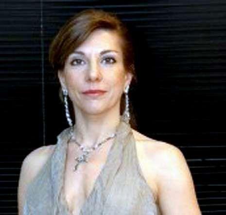 María Rodríguez es la soprano que asume el papel de Tosca.