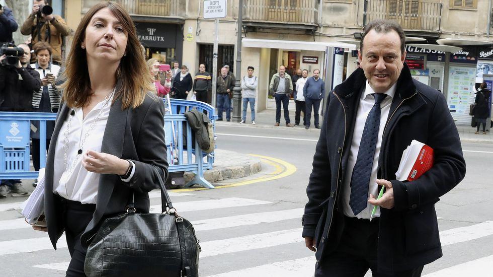 El fiscal Anticorrupción Pedro Horrach, acompañado por la fiscal Ana Lamas