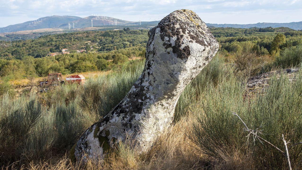 La roca conocida como Marco de Santo Estevo, según la tradición, señalaba el límite de las posesiones del monasterio de Santo Estevo de Ribas de Sil