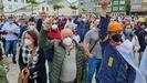 Una escena de la concentración de este mediodía por la fábrica de Alcoa, en la Praza dos Campos de San Cibrao