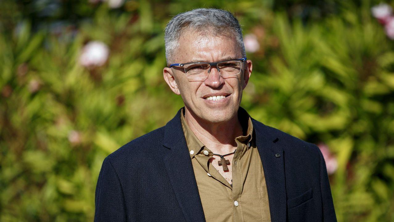 Estado de la casa de Rosario Porto en Teo.Josy Fernández, el allcalde de Los Salias de Caracas Venezuela en una reciente visita a La Voz