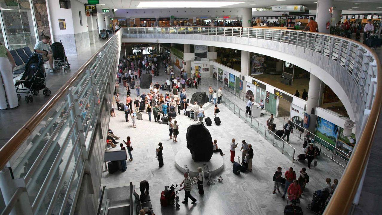 Vista general del aeropuerto César Manrique de Lanzarote, a donde llegó el viajero infectado