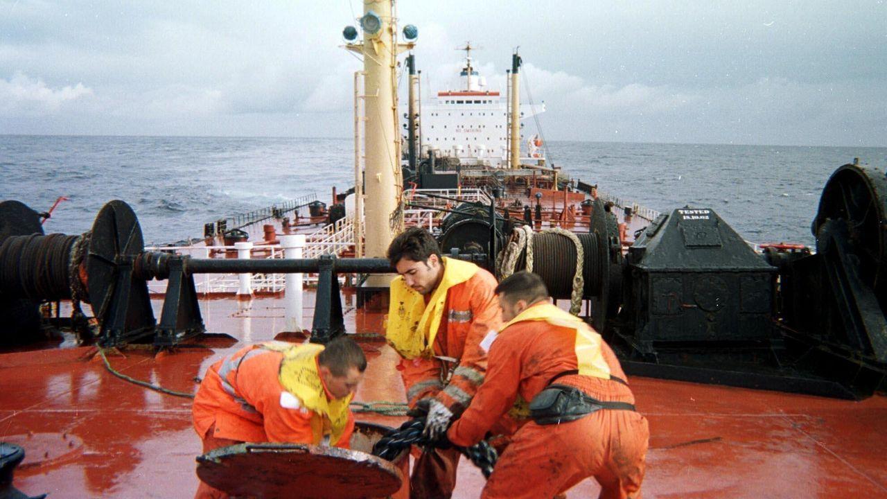 Los técnicos intentaban estabilizar el Prestige justo antes de evacuar a la tripulación