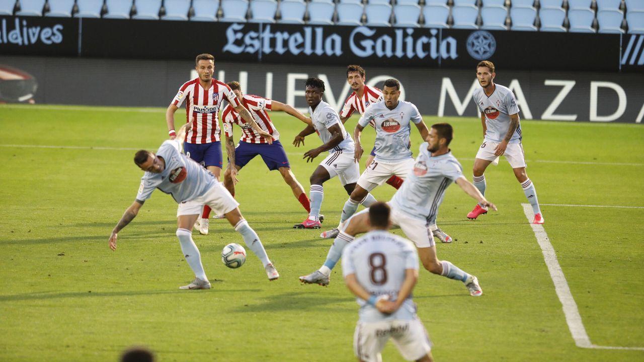 En directo: Junta de accionistas del Deportivo.La afición recibe al Dépor en el estadio, minutos antes de saber los contagios en el Fuenlabrada