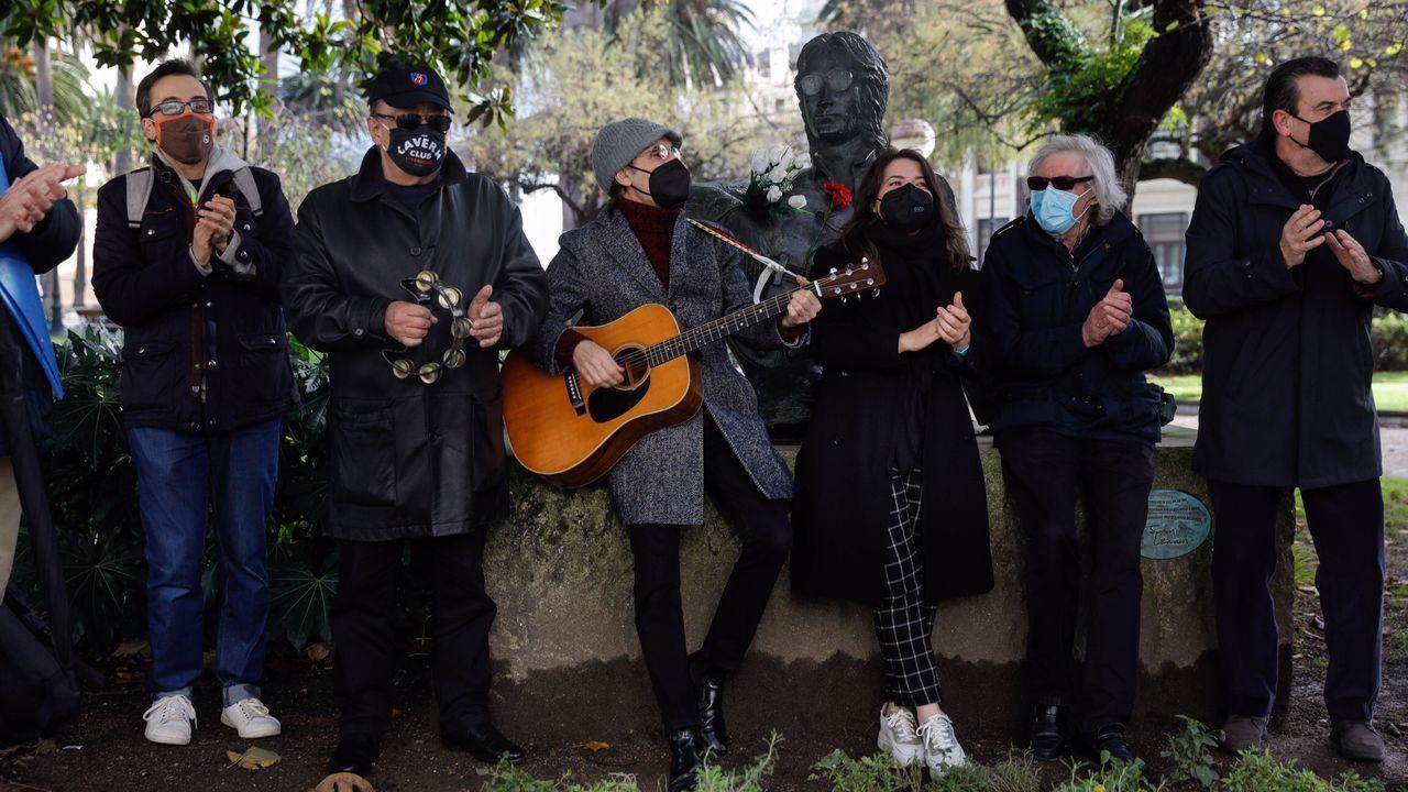Homenaje a John Lennon en los jardines de Méndez Núñez.Bob Dylan, durante un concierto en Tel Aviv en junio del 2011