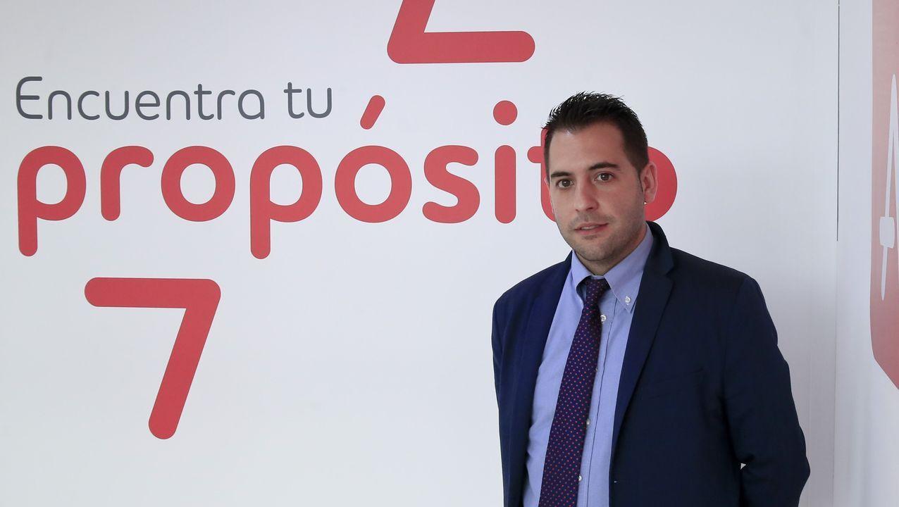 Carlos Sánchez es el responsable de la oficina de Adecco en Lugo